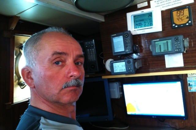 Instruktor na obozie szkoleniowym.<br /> <br /> Instruktor Żeglarstwa, Kapitan Jachtowy i Motorowodny. Przez cały rok pływa na żaglowcach, katamaranach i jachtach jednokadłubowych na ciepłych jak i zimnych morzach. Kierownik placówek wypoczynku dzieci i młodzieży, wychowawca wypoczynku, operator łączności bliskiego zasięgu SRC.
