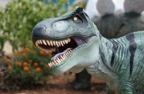 Kołacinek, Dinopark - W świecie dinozaurów