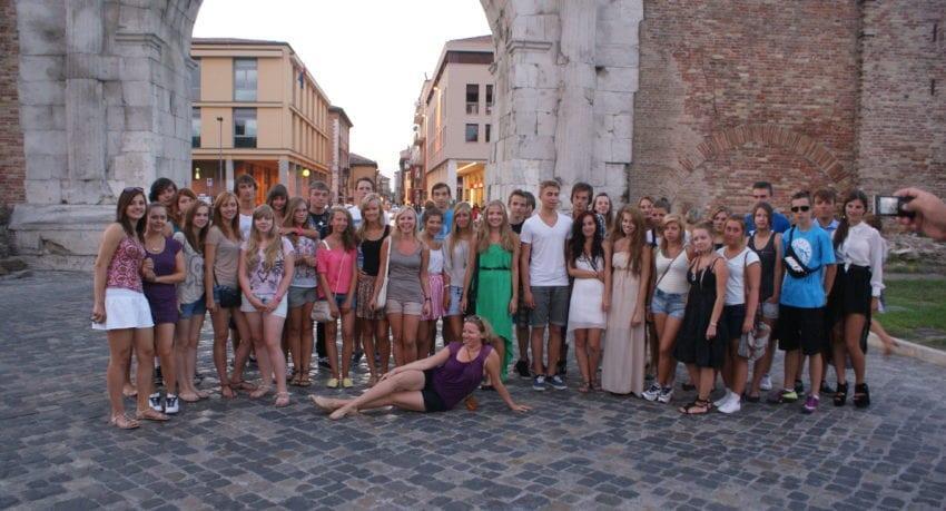 Gra miejska i pamiątkowe zdjęcie - obóz w Rimini (12 - 19 lat)