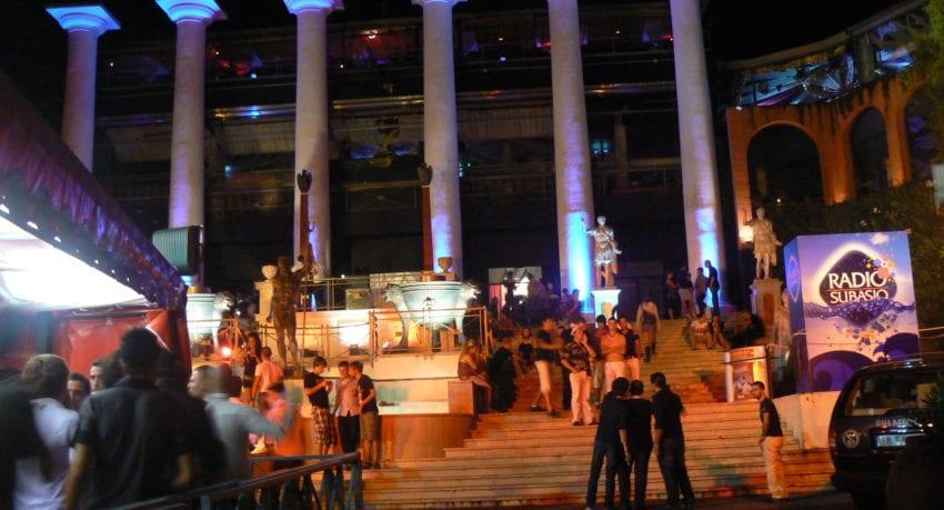 zabawa w klubach i dyskotekach - obóz młodzieżowy w Rimini.